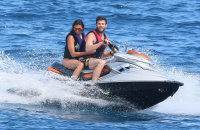 Nina Dobrev and Asustin Stowell enjoy the ocean off the cost the French Riviera (July 26) YVAsp7FE