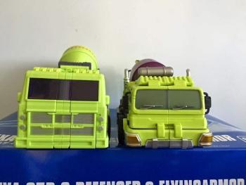 [Toyworld] Produit Tiers - Jouet TW-C Constructor aka Devastator/Dévastateur (Version vert G1 et jaune G2) - Page 5 FiU8xF1O