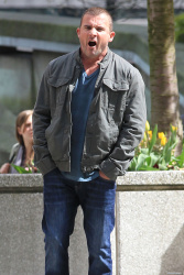 Dominic Purcell on the set of 'Bailout: The Age of Greed' - April 27, 2012 - 17xHQ HHpYbBgr