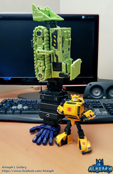 [Toyworld] Produit Tiers - Jouet TW-C Constructor aka Devastator/Dévastateur (Version vert G1 et jaune G2) - Page 5 EABhQxH2