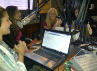 LaX Fm Radio 2011 Puerto Rico avec Alessandra et Adriana AdgNQD9y