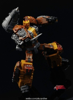 [Warbotron] Produit Tiers - Jouet WB03 aka Computron - Page 2 VFxGAm4D