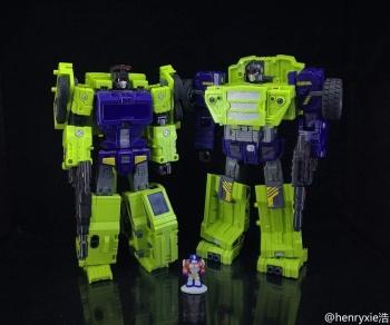 [Toyworld] Produit Tiers - Jouet TW-C Constructor aka Devastator/Dévastateur (Version vert G1 et jaune G2) - Page 7 CV7qV2ps