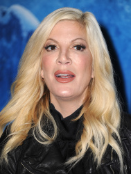 Tori Spelling - Disney's Frozen on Ice Premiere @ Staples Center in Los Angeles - 12/10/15