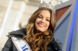 Betty Cantrell - 89th Annual Macy's Thanksgiving Day Parade in NYC - 11/26/15