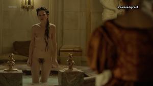 Anna Brewster, Hannah Arterton @ Versailles s02 (FR 2017) [1080p HDTV] BMyB5w6u