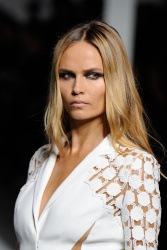 Natasha Poly - Paris Fashion Week: Versace Haute Couture S/S 2016 Fashion Show in Paris - 01/24/16