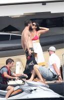 Nina Dobrev with her boyfriend Austin Stowell in Saint-Tropez (July 24) 5MboZLTh