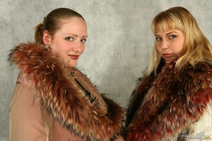 Name: [Lis & Tessa] Blondes in Furs (1472x983) [104 pic]