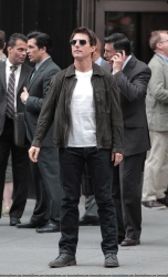 Tom Cruise - on the set of 'Oblivion' outside at the Empire State Building - June 12, 2012 - 376xHQ FPcxhqyr