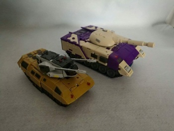 [DX9 Toys] Produit Tiers D-08 Gewalt - aka Blitzwing/Le Blitz C6uvY8mP