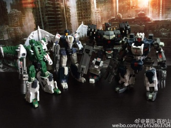 [FansProject] Produit Tiers - Jouet Saurus Ryu-oh aka Dinoking (Victory) | Monstructor (USA) - Page 2 CLwLpFHv