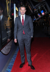 Richard Armitage - The Hobbit An Unexpected Journey - Canadian Premiere - Toronto, December 3, 2012 - 10xHQ EwI7s11b