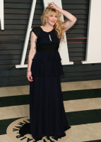 """Courtney Love """"2015 Vanity Fair Oscar Party hosted by Graydon Carter at Wallis Annenberg Center for the Performing Arts in Beverly Hills"""" (22.02.2015) 49x RspfWvtD"""