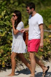 Jamie Dornan - At the beach with his girlfriend, Amelia Warner in Miami - January 17, 2013 - 25xHQ RNoIrhgz