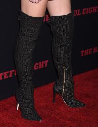 """MEGA POST: Bella Thorne con espectaculares botas en el estreno de """"The Hateful Eight"""" en Los Angeles (7/12/15) NhJb6Mda"""