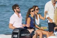 Nina Dobrev with her boyfriend Austin Stowell in Saint-Tropez (July 24) 3TPJKGuy