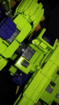 [Toyworld] Produit Tiers - Jouet TW-C Constructor aka Devastator/Dévastateur (Version vert G1 et jaune G2) - Page 7 LhAJHB9s