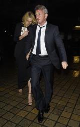 Sean Penn - Charlize Theron and Sean Penn - seen leaving Royal Festival Hall. London - February 16, 2015 (153xHQ) UAMzZ1s2