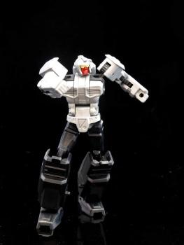[X-Transbots] Produit Tiers - MX-II Andras - aka Scourge/Fléo - Page 2 FRzmhIHH