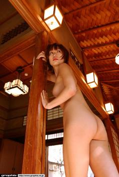 32 - Saori Kamiya