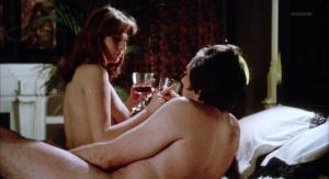 Marianne Morris, Anulka Dziubinska,  Sally Faulkner @ Vampyres (ES/UK 1974) [HD 1080p]  PmvOXGyU