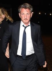 Sean Penn - Charlize Theron and Sean Penn - seen leaving Royal Festival Hall. London - February 16, 2015 (153xHQ) BNoHgmhB