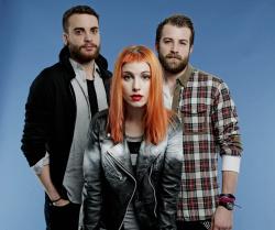 Paramore (Hayley Williams,  Jeremy Davis, Taylor York) - Chris McAndrew Photoshoot for The Guardian (February, 2013) - 35xHQ WGvALcXR