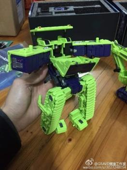 [Toyworld] Produit Tiers - Jouet TW-C Constructor aka Devastator/Dévastateur (Version vert G1 et jaune G2) - Page 3 LRHqSOTC