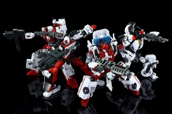 [MakeToys] Produit Tiers - Jouet MTCM-04 Guardia (aka Protectobots - Defensor/Defenso) - Page 3 M4BnyHAt