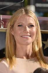 Gwyneth Paltrow - Rob Lowe Honored With Hollywood Walk Of Fame Star @ Hollywood Boulevard in Hollywood - 12/08/15