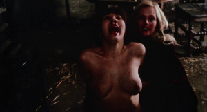 Marianne Morris, Anulka Dziubinska,  Sally Faulkner @ Vampyres (ES/UK 1974) [HD 1080p]  IRh9GfI5