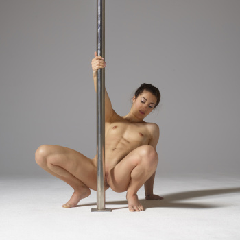 nude pole dancer