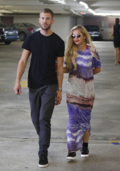 Calvin Harris and Rita Ora - out in New York - June 20, 2013 - 24xHQ Q2zb5idp