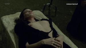 Anna Brewster, Hannah Arterton @ Versailles s02 (FR 2017) [1080p HDTV] BoZVq4mS