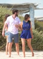 Nina Dobrev with her boyfriend Austin Stowell in Saint-Tropez (July 24) J02tU37E