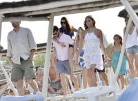 Nina Dobrev with her boyfriend Austin Stowell in Saint-Tropez (July 24) EnCvAWeU