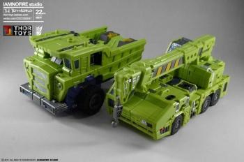 [Toyworld] Produit Tiers - Jouet TW-C Constructor aka Devastator/Dévastateur (Version vert G1 et jaune G2) - Page 7 RL9egISE