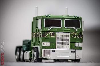 [Masterpiece] MP-10B | MP-10A | MP-10R | MP-10SG | MP-10K | MP-711 | MP-10G | MP-10 ASL ― Convoy (Optimus Prime/Optimus Primus) - Page 4 9P0fMmPr
