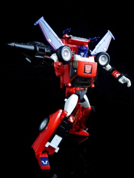 [Masterpiece] MP-25L LoudPedal (Rouge) + MP-26 Road Rage (Noir) ― aka Tracks/Le Sillage Diaclone - Page 2 M0oUdoBs
