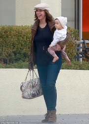 Jennifer Love Hewitt Out For Lunch With Her Family in West Hollywood - 1/13/15
