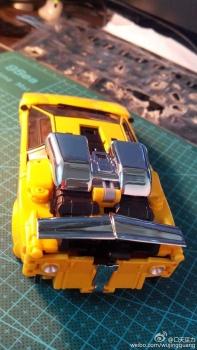 [BadCube] Produit Tiers - OTS-08 Sunsurge (aka Sunstreaker/Solo G1) + OTS-Special 01 Blaze (aka Sunstreaker/Solo Diaclone) - Page 3 ZdNoI7TA