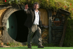 Peter Jackson - 'The Hobbit An Unexpected Journey' World Premiere at Embassy Theatre in Wellington, New Zealand - November 28, 2012 - 9xHQ T9JuWjr8