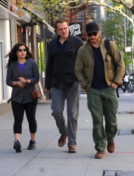 Jake Gyllenhaal & Jonah Hill & America Ferrera - Out And About In NYC 2013.04.30 - 37xHQ V4rAzMnm