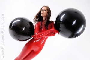 Name: Juicy Girls and Latex 27.03