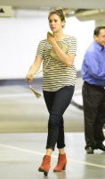 Nina Dobrev heads to a medical building chatting on her cell (June 03) G7Ql0HXM