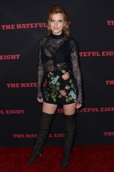 """MEGA POST: Bella Thorne con espectaculares botas en el estreno de """"The Hateful Eight"""" en Los Angeles (7/12/15) MaBrhYyk"""