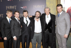 Richard Armitage - attends 'The Hobbit An Unexpected Journey' New York Premiere benefiting AFI at Ziegfeld Theater in New York - December 6, 2012 - 14xHQ WO6rmwh1