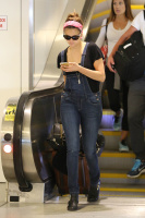 Nina Dobrev at LAX Airport (March 27) Drcoq2aD