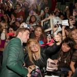 EVENTO-Premier AMANECER 2 en Los Angeles (13/11/12) Acb9438B